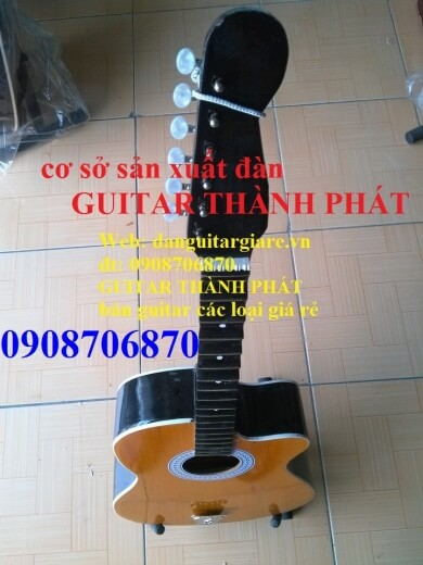 đàn guitar cổ   411