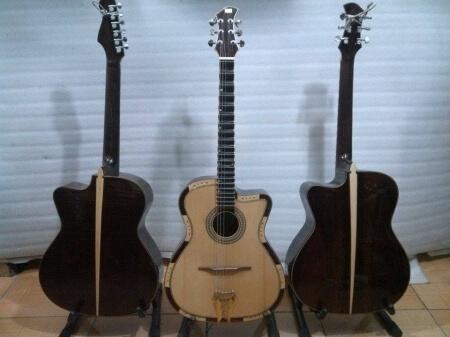 đàn guitar cổ  4040
