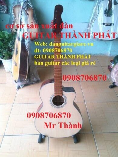 đàn guitar cổ  810