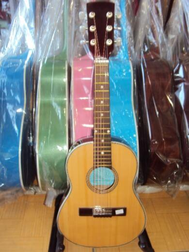 guitar ukulele  02